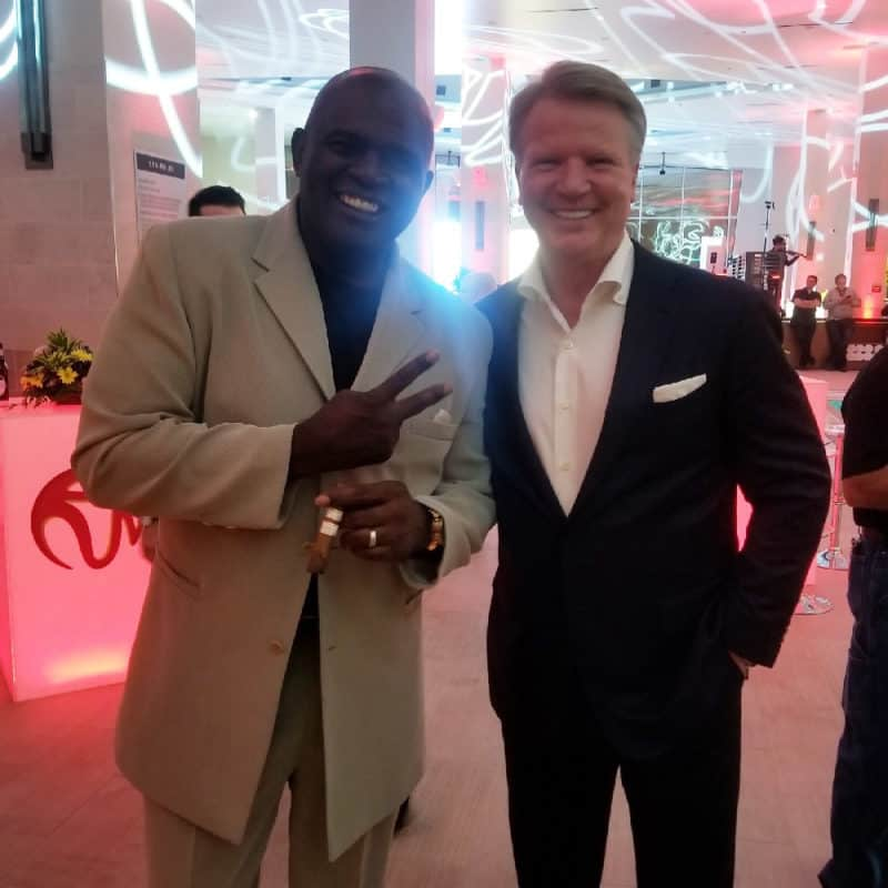 Lawrence Taylor & Phil Simms together again