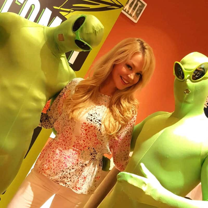 Charlotte Ross Trade Show Appearance - Comet TV